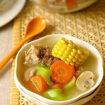 田园蔬菜龙骨汤