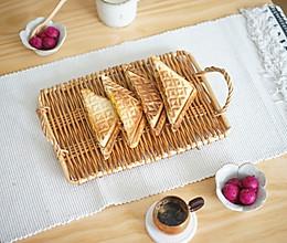 #美食新势力#BRUNO快手早餐-肉松鸡蛋三明治的做法