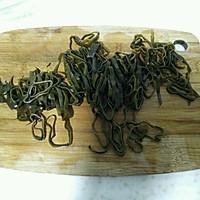 凉拌黄瓜海带丝的做法图解2