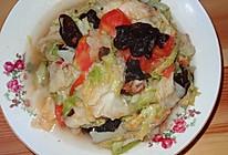 西红柿炒圆白菜木耳的做法
