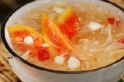 木瓜红枣蜂蜜银耳汤(瘦身、丰胸、补血、便秘专用)