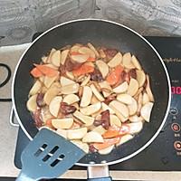 广式腊肠炒年糕的做法图解8