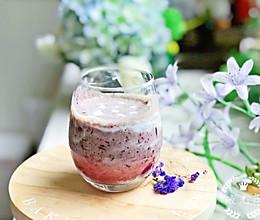#精品菜谱挑战赛#超级美貌的渐变蓝莓酸奶的做法