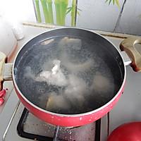 胡萝卜玉米排骨汤的做法图解6