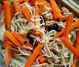 减肥餐之凉拌金针菇胡萝卜鸡肉丝的做法