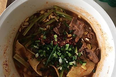 西北风味和川菜的结合—辣糊糊版水煮肉片