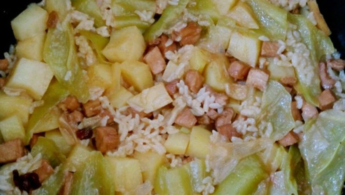 土豆猪肉焖饭