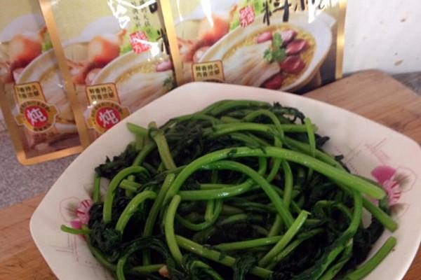 清炒茼蒿——大喜大牛肉粉试用菜谱的做法