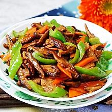 营养下饭的胡萝卜香菇炒肉