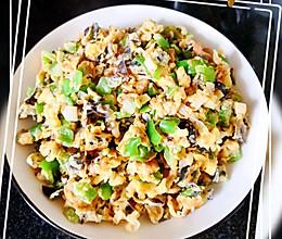 超级简单的家常菜#大葱青椒黑木耳斩蛋