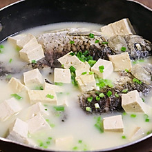 鲫鱼豆腐汤,煮出奶白鲜美鱼汤的秘诀。