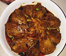 干锅鸭头 家庭超值款的做法