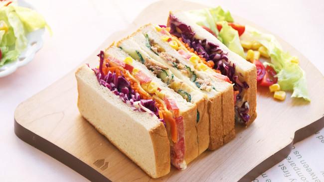 芒果金枪鱼三明治的做法