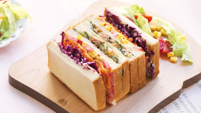 芒果金槍魚三明治
