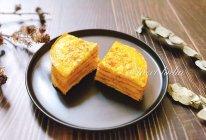 咸蛋黄小龙虾蛋饼的做法