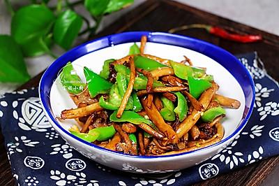 冬季下饭菜~茶树菇尖椒炒肉