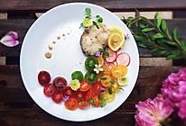 煎鳕鱼配五彩小番茄沙拉的做法