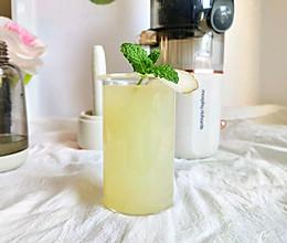 百分百纯果汁的雪梨气泡水的做法
