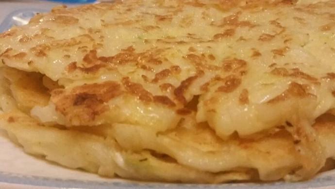 巧做剩饭之——香煎面条鸡蛋饼