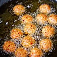 #新年开运菜,好事自然来#团团圆圆的香炸猪肉豆腐丸子的做法图解14