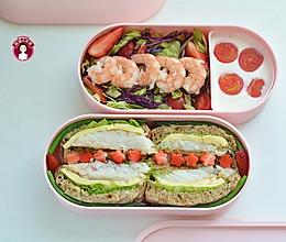 #以美食的名义说爱她# 鳕鱼吐司沙拉午餐便当的做法