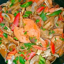 鸡爪海鲜煲
