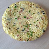 米饭鸡蛋饼(简单美味早餐)的做法图解5