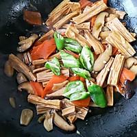 香菇烧腐竹——下饭菜带来的幸福感!的做法图解15