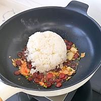 #美食视频挑战赛# 懒人辣白菜香肠炒饭的做法图解7