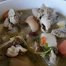 羊肉汤锅(暖胃,冬日食补,隔壁的小孩馋哭了)