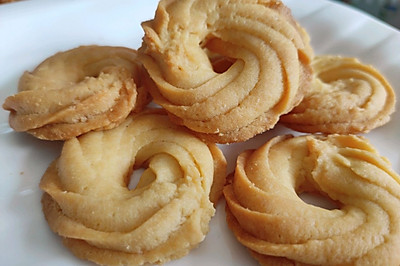 酥到掉渣系列——黄油曲奇饼干