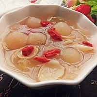 甜蜜蜜_银耳莲子百合梨汁甜汤的做法图解3