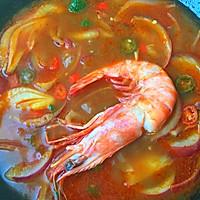 年夜饭必备—泰式冬阴功浓汤虾的做法图解9