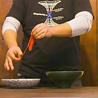 烧辣椒皮蛋!虎皮青椒和凉拌皮蛋合体,居然好吃到犯规?的做法图解6
