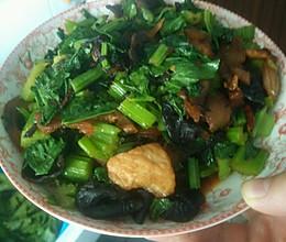 芹菜肉丝 芹菜炒肉 芹菜的做法