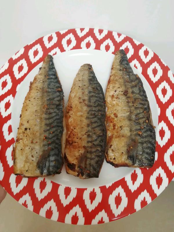 香煎挪威鲐鱼(青花鱼)的做法