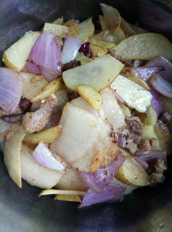 洋葱土豆肉片烩的做法
