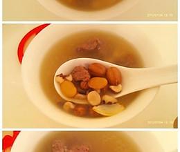 莲子百合淮山排骨汤(健脾化湿汤)的做法