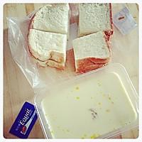 香喷喷的早餐-黄油牛奶面包片的做法图解2