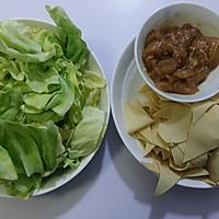 #父亲节,给老爸做道菜#干豆腐包菜炒鸡片的做法图解2