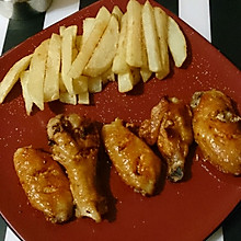 香辣烤雞翅配薯條