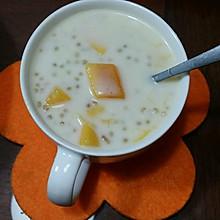 甜品芒果椰汁西米露
