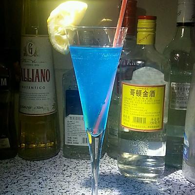 蓝色星期一鸡尾酒