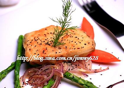 黑胡椒芦笋煎银鳕鱼的做法