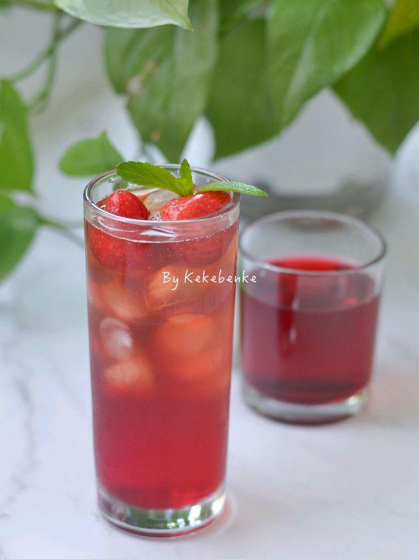 莓莓白茶饮