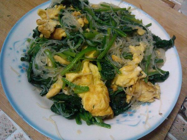 菠菜粉丝炒鸡蛋的做法