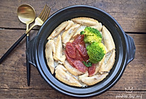 #肉食者联盟#鸡翅腊肠煲仔饭的做法