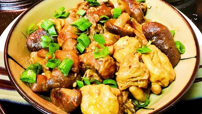 香菇豆泡焖鸡的做法