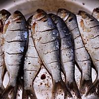 #带着零食去旅行!#干炸海鲫鱼的做法图解11