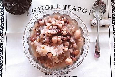 春日养颜排毒餐,丑耳红豆薏米汤#舌尖上的春宴#